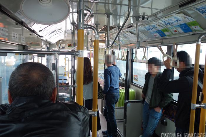関空の無料シャトルバス車内