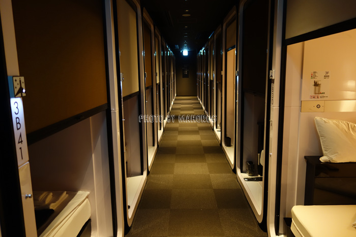 ファーストキャビン関西空港の館内通路