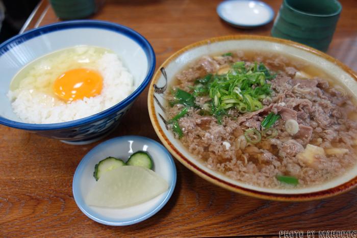 大阪難波の千とせの肉吸い豆腐入りと小玉
