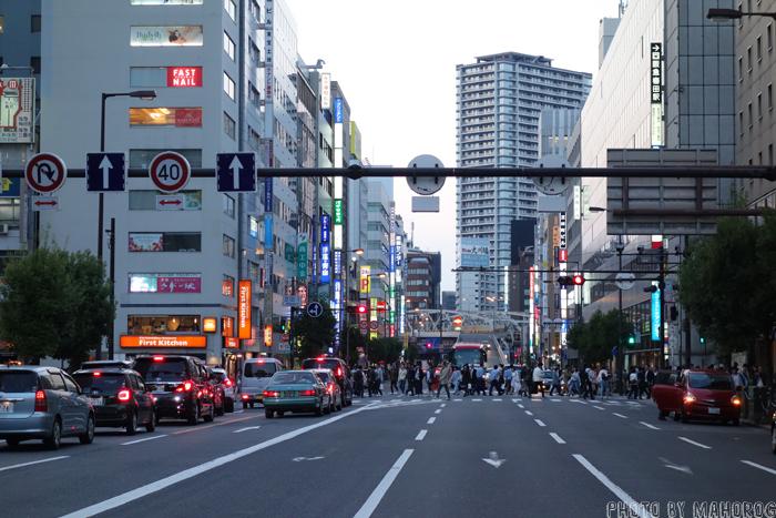ヨドバシ梅田前の道路