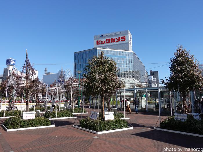 岡山駅前の広場のイルミネーション