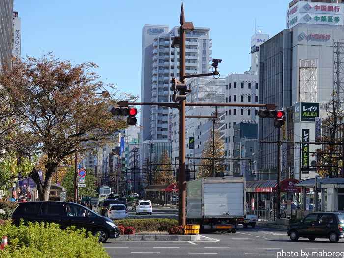 岡山駅前のももたろう大通り